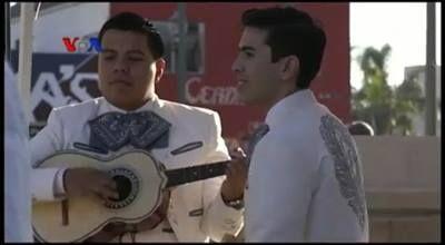 Musik mariachi adalah salah satu ekspor budaya Meksiko, yang banyak digemari di Amerika Serikat. Bahkan musik mariachi menjadi pendorong usaha di salah satu sudut kota Los Angeles, negara bagian California. Simak berikut ini atau tonton di YouTube: https://youtu.be/ftAz97P0AnA