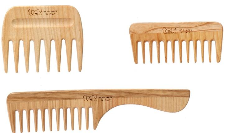Lo sapevate che?    I pettini e le spazzole in legno sono antistatici e grazie alla speciale forma dei dentini sono perfetti per una cura giornaliera del capello    #sapevatelo