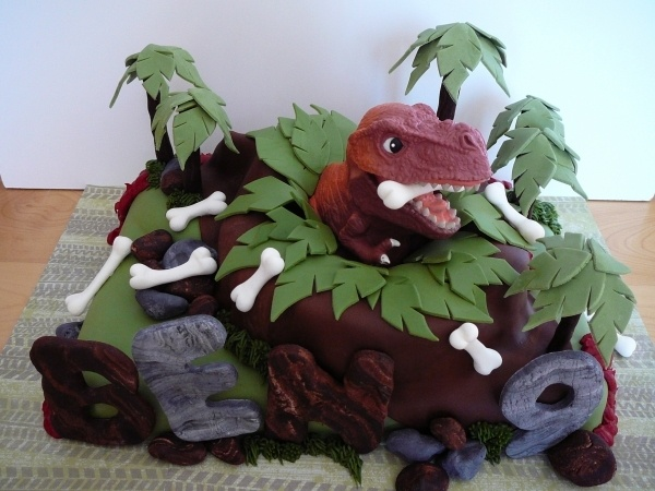 Dinosaur cake, must remember this one