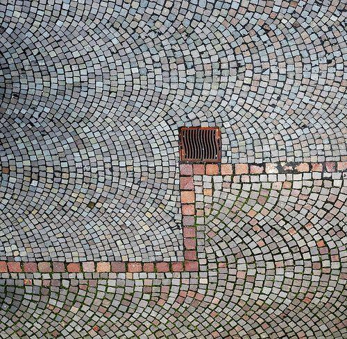 Peter Zumthor: Floor paving, Kolumba museum, Cologne (D)