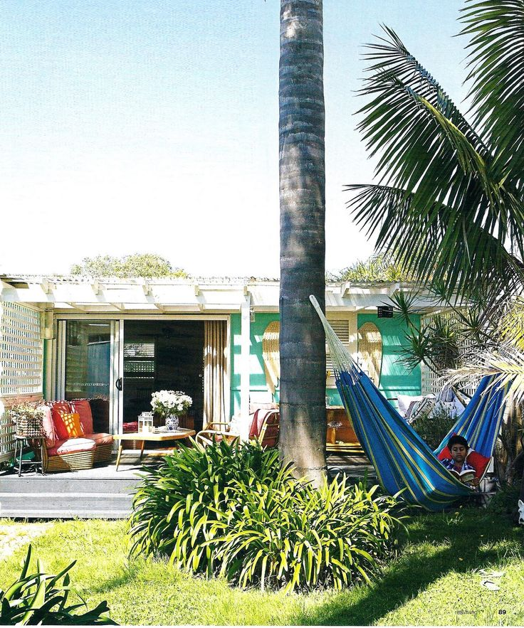 Squeezed Daily - Tropical Living: 1950's fibro shack