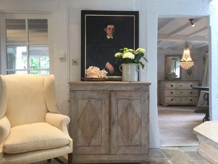 Anton & K Antiques & Interiors Swedish Gustavian Buffet