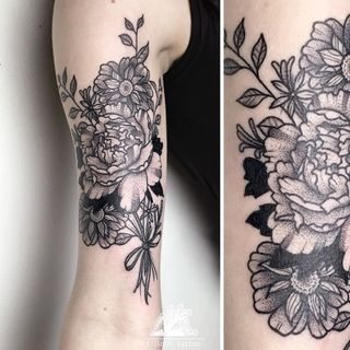 traditional tattoo flowers black – Buscar con Google