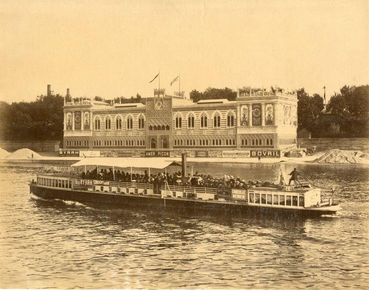 France, Paris, exposition universelle 1889, château le long de la seine, bateau à vapeur     #Europe #Paris