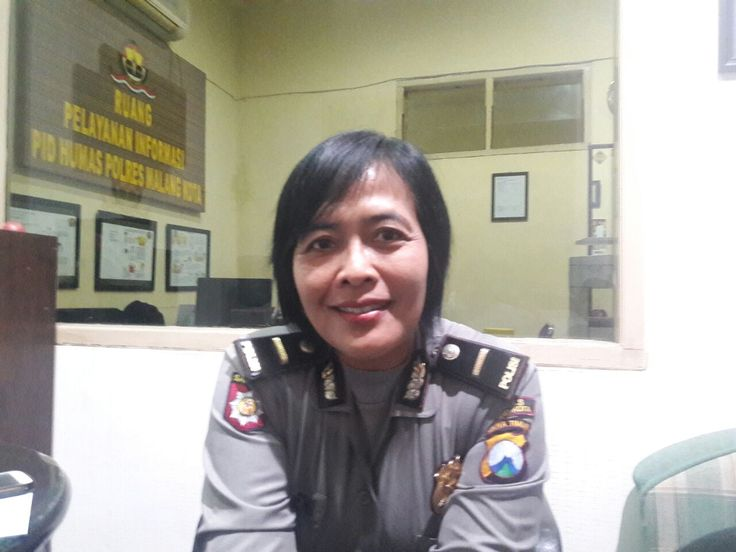 Mahasiswi UIN Malang Diamankan Polisi Terkait Kematian Bayinya https://malangtoday.net/wp-content/uploads/2017/07/WhatsApp-Image-2017-07-11-at-14.55.07.jpeg MALANGTODAY.NET – ND (20), mahasiswi UIN Malang diamankan polisi karena diduga sebagai ibu bayi yang ditemukan tewas didalam tas yang ditemukan di rumah kosnya. Kabag Humas Polres Malang Kota, Ipda Marhaeni mengatakan, saat ini yang bersangkutan sedang menjalani perawatan di Rumah Sakit... https://malangtoday.net/ma
