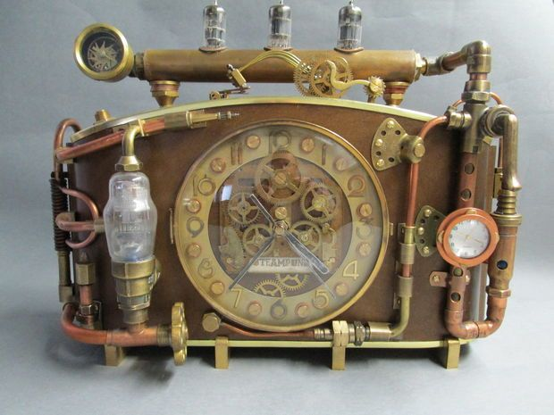 Picture of steampunk clock