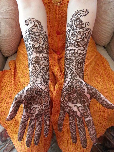 mehndi maharani finalist: Mala's Bridal Services http://maharaniweddings.com/gallery/photo/13924