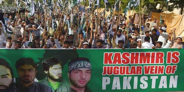 "Top News: ""PAKISTAN POLITICS: Pakistanis Hold Anti-US Rally in Solidarity With Kashmiris"" - https://i1.wp.com/politicoscope.com/wp-content/uploads/2017/07/PAKISTAN-POLITICS-Pakistanis-Hold-Anti-US-Rally-in-Solidarity-With-Kashmiris.jpg?fit=1000%2C500 - Activists in the Pakistani city of Karachi also held a protest rally in solidarity with the Kashmiris.  on Politics - http://politicoscope.com/2017/07/10/pakistan-politics-pakistanis-hold-anti-us-rally-in-solidarity-with-kashmi"