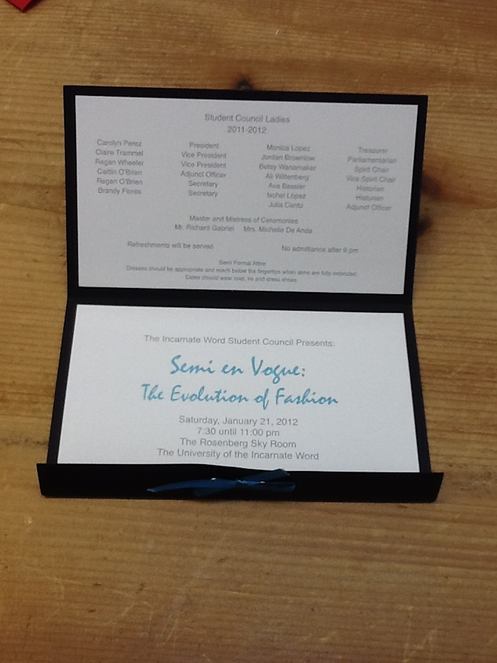 Weddings Invitations is adorable invitations design