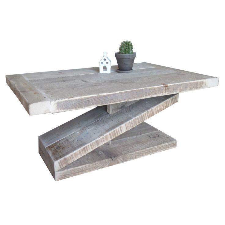 Steigerhout salontafel 'Zorro' gemaakt van extra dik 5cm! gebruikt steigerhout om een gezellige, robuuste en warme uitstraling te geven. De Z-vorm poot geeft deze salontafel een spannende en speelse uitstraling.