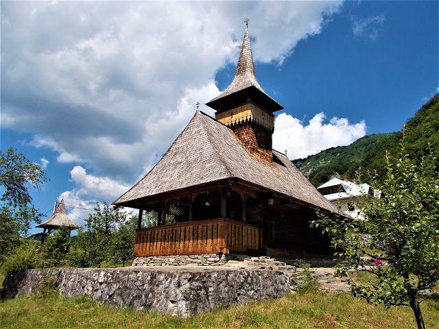 Turismul în România: Biserica de lemn din Sub Piatră