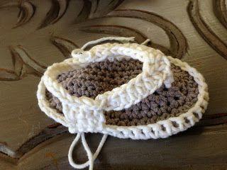 Örgü Bebek Sandalet Terlik Yapılışı , Çok şık örgü bebek sandalet yapımından bahsedeceğim sizlere. Daha önce farklı bir model örgü bebek terlik yapımından bahsetmiştik. Yazl... ,  #bebekörgüsandaletmodelleri #crochet #örgümodelleri #örgüsandaletmodelleri
