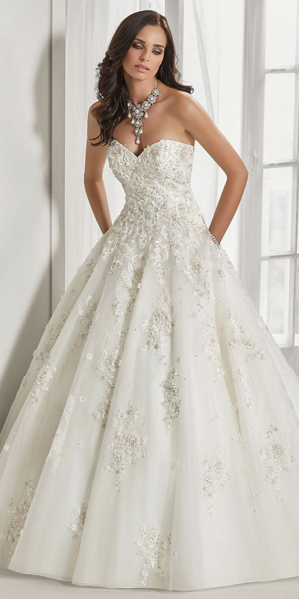 Romantic Tulle Sweetheart Neckline A Line Wedding Dress With Beaded Lace Appliques 3d Flo Wedding Dresses Strapless Bridal Dresses Wedding Dress With Pockets