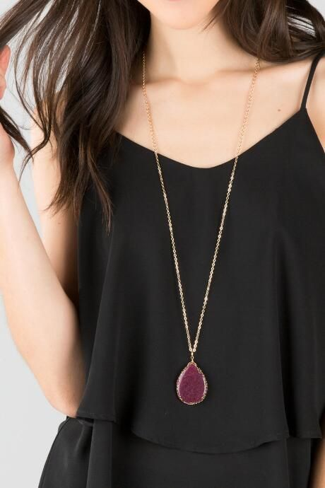 Rita Stone Pendant Necklace in Berry