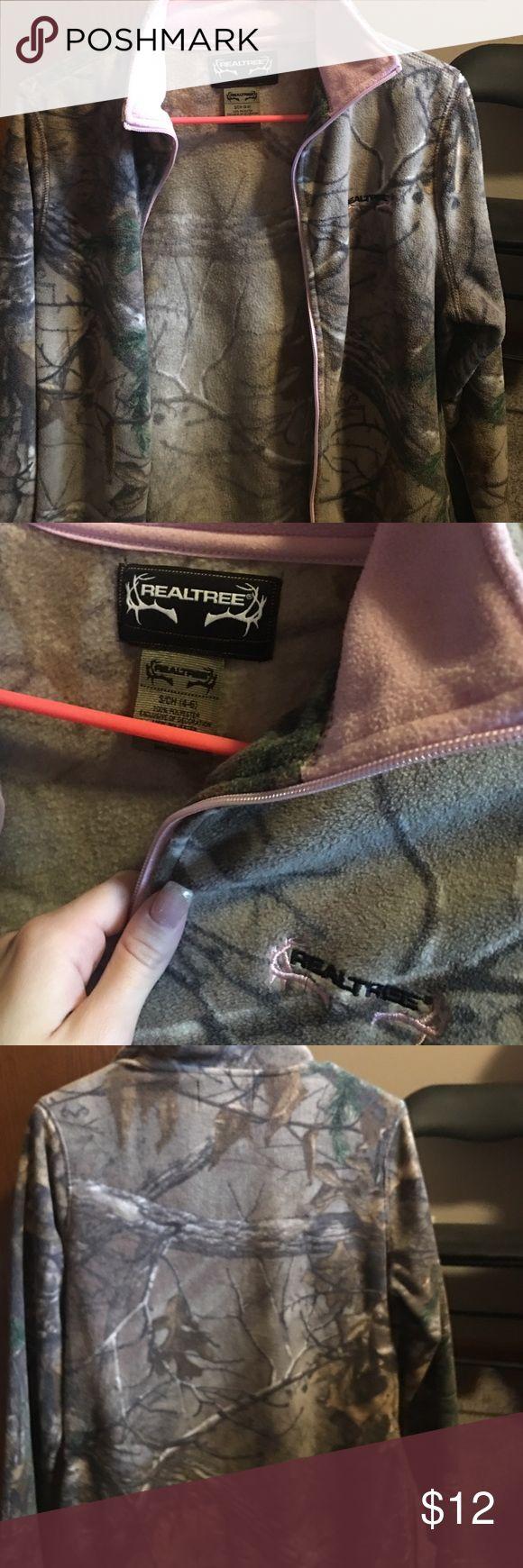 Real tree camo jacket size small Really tree camo jacket size small worn once in great condition has light pink on the zipper line and collar real tree Jackets & Coats