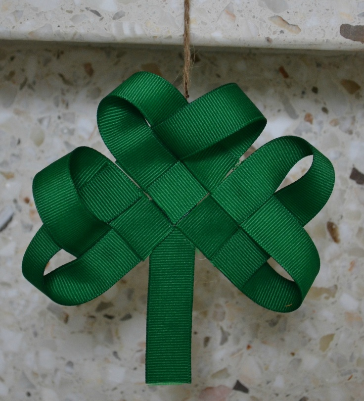 A simple weaving of ribbon = an adorable little shamrock! ~ many possible uses - an ornament, part of wreath, part of banner or as a hair bow.