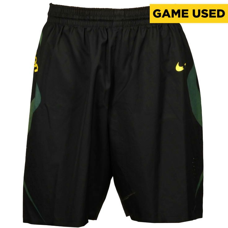 Oregon Ducks Fanatics Authentic 2011-2012 Game-Used #31 Black and Green Nike Size 36 Shorts - $119.99
