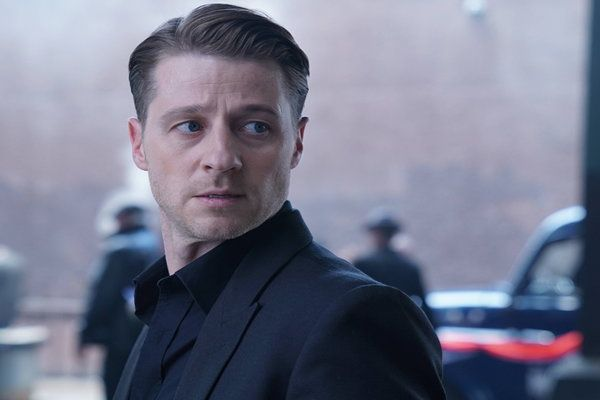 Watch Gotham Online - New Day Rising | Hulu