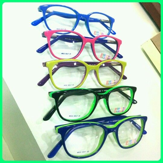 New #retro addition to our #kids #Eyewear collection..we have the widest #varieties in eyewear for kids,benefit from the 20%discount.