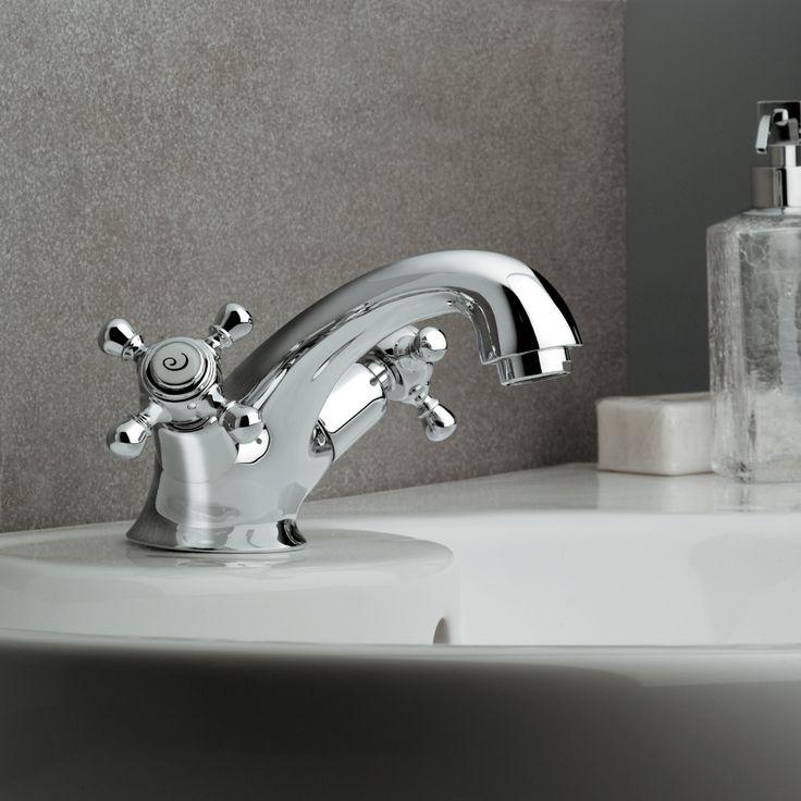 Eclipse 550 bathroom