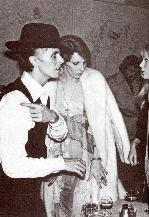 David and Angie out with Britt Eklund and Rod Stewart (not pictured) in Los Angeles, 1975.