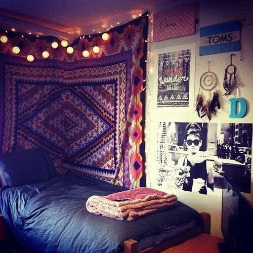 Tapestry Hanging Behind Bed And Around Corner Decoration