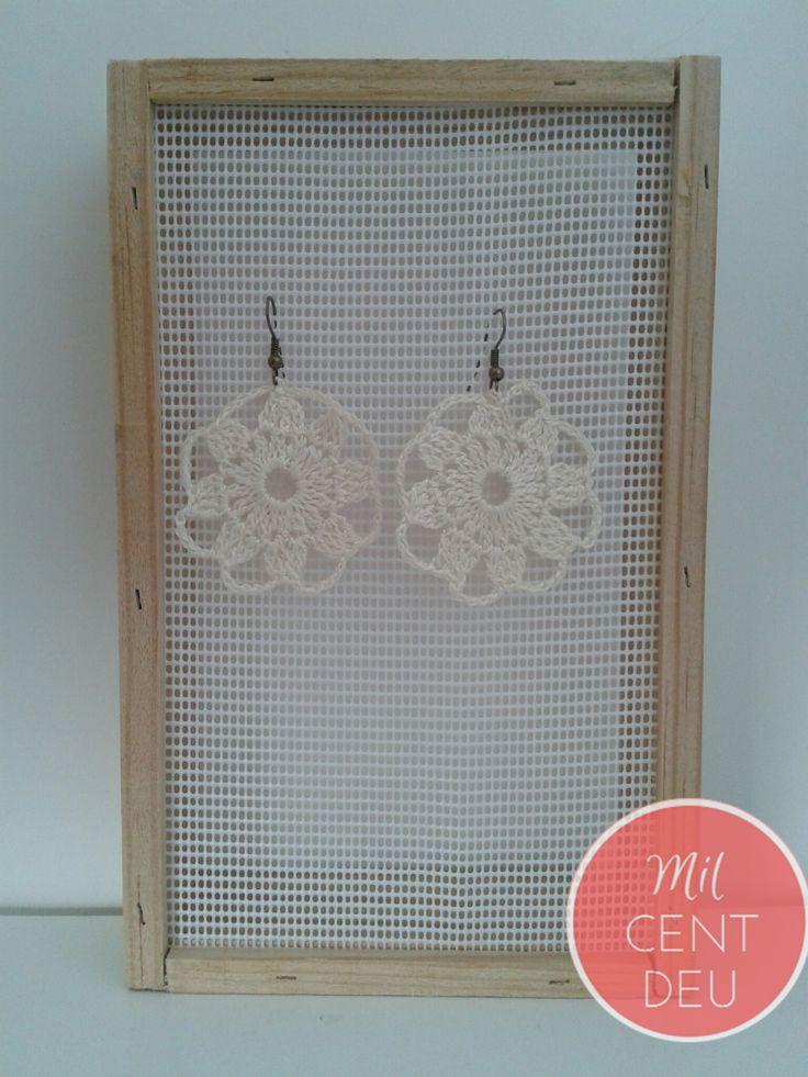 pendientes crochet motivo blanco .jpg