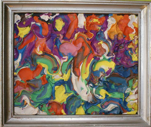ART COOPERATIU PER A L'ÚLTIM DIA D'ESCOLA  Què fer de les restes sense barrejar de la plastilina de colors usada durant tot el curs? Un preciós quadre que podrà decorar l'escola. (Es pot envernissar per evitar la pols)