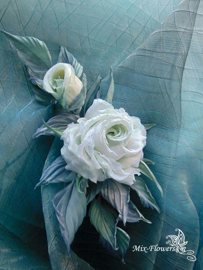 """🌹Если Ваши комнатные шторы немного вам «прискучили», не спешите покупать новые: есть простые и действенные способы, не выходя из дома, придать им свежее очарование и привлекательный вид, украсив отдельными цветами из ткани или букетами 🌹Интерьерная веточка роз """"Шелби"""" , украшение / подхват для штор. #шелковаяфлористика #красота #шелковыйцветок #шелк#цветы #букетназаказ #цветыручнойработы #цветыизшелка#сделаноруками #flowers #mix_flowers #handmade #handmadeflowers #florist #decor #art"""