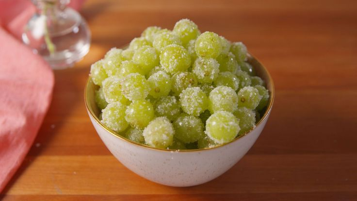 Celebrate In Style With These Boozy Prosecco Grapes
