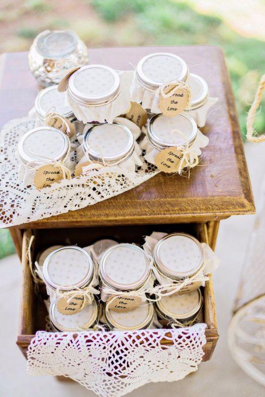 how to put fabric on mason jar lids
