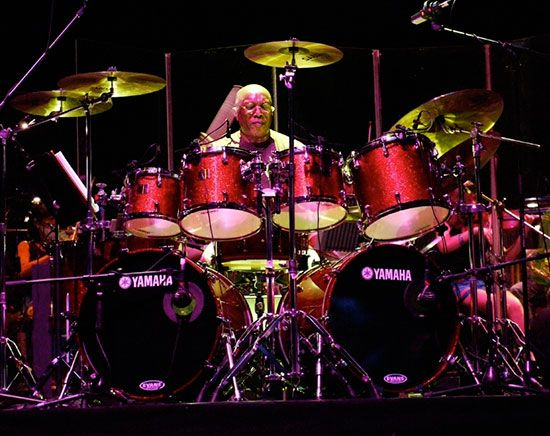Drummerworld: Billy Cobham