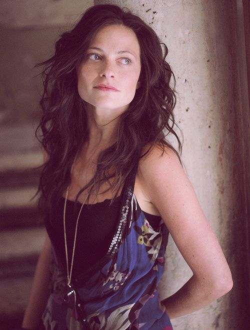 Lara Pulver. Have we finally found our Mina?
