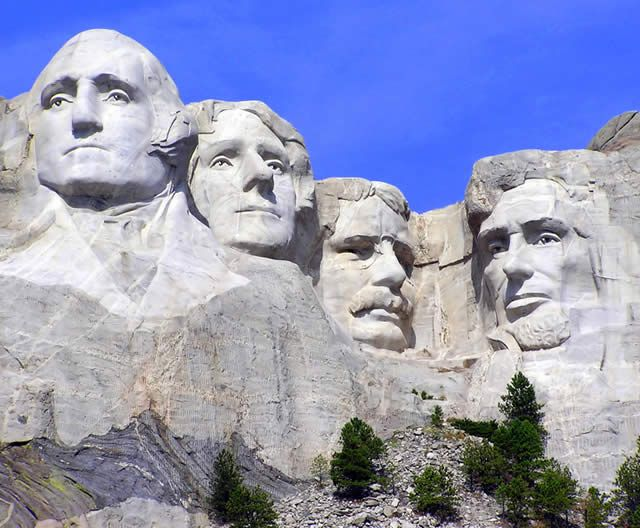 Watch: Ride in Mount Rushmore, South Dakota, EUA http://destinations-for-travelers.blogspot.com.br/2014/08/monte-rushmore-dakota-do-sul-estados-unidos.html