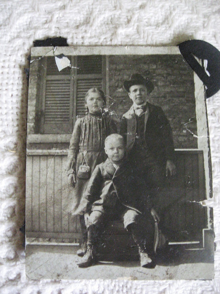 Vintage Photo...Old West Kids. . .1900's Vintage Snapshot