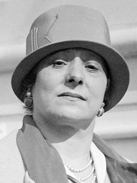 """""""Helena Rubinstein (born Chaja Rubinstein, December 25, 1870 – April 1, 1965), a Polish-born Australian-American business magnate. She is the founder and eponym of Helena Rubinstein, Incorporated, which made her one of the world's richest women."""" Read more: http://en.wikipedia.org/wiki/Helena_Rubinstein"""