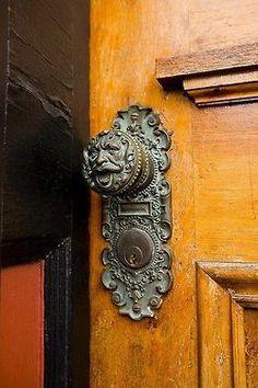 Interesting door knob