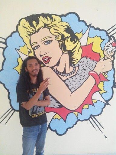 Marilyn Monroe, she love ice cream very much.   Wall paint desain
