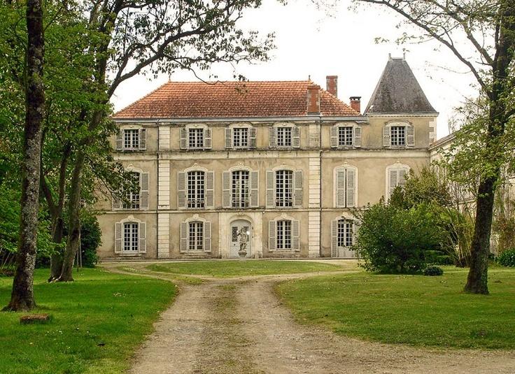 Charente maritime la rochelle ch teau du 18 me si cle douves d pendances - Chateau du 18eme siecle ...