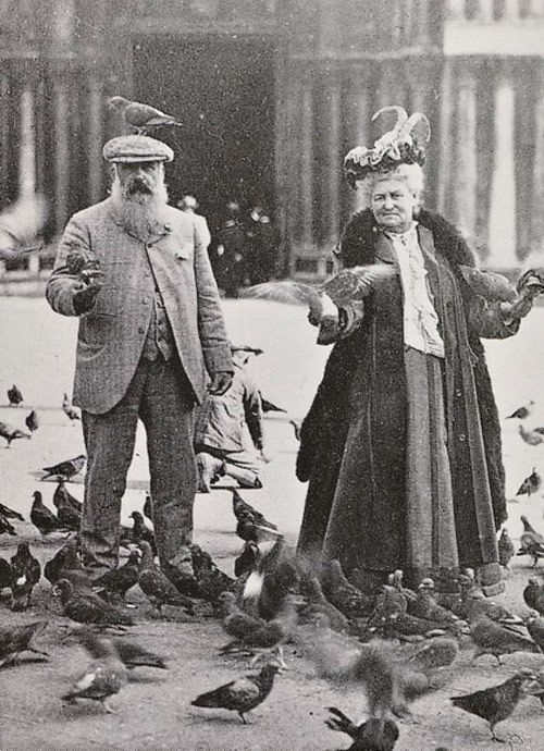 Madame and Monsieur Monet, going to the birds.History, Photos, Artists, 1908, Know Marco, Claude Monet, Madame Monet, Claudemonet, People