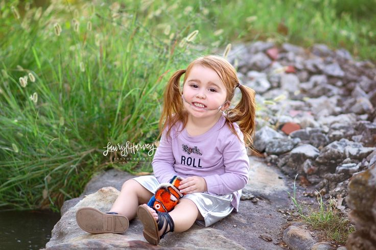 Toddler dressed as Darla from Finding Nemo for Halloween Costume | Lauryl Harvey Photography #findingnemo #darla #diyhalloweencostume #toddlerdiy #toddlerhalloweencostume #halloween #halloweencostume #diy #lhp #laurylharveyphotography #collegestationtx