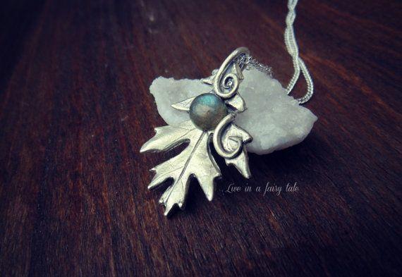 Artisan silver leaf  botanical jewelry  di liveinafairytale #leaf #leafjewelry #botanicaljewelry #natural jewelry #handcraftedjewelry #pagan #wicca #wiccan #silvanjewelry #labradorite