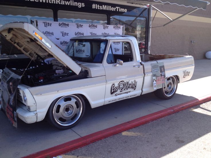 17 best images about gas monkey on pinterest chevy c10. Black Bedroom Furniture Sets. Home Design Ideas