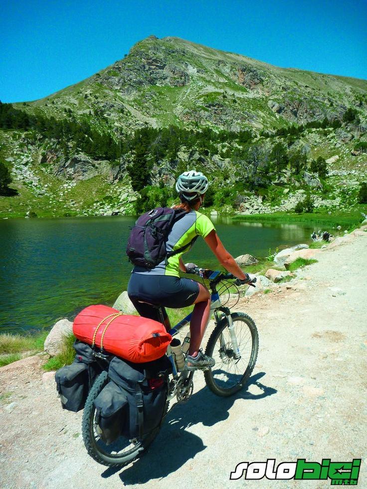 Alta Ruta TransPirenaica con un par de ruedas en revista Solo Bici 100% MTB