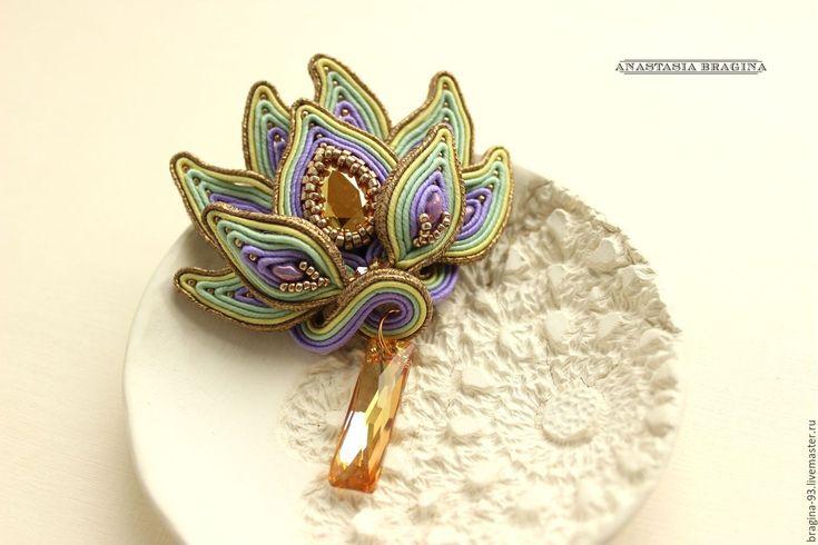 """Купить Сутажная брошь 3D """"Тайна цветка"""" - золотой, лотос, лотосы, цветок, цветочные мотивы"""
