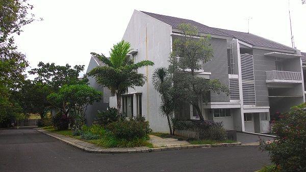 Jual rumah pondok residence