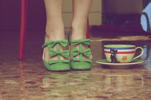 yesGreen Shoes, Woman Fashion, Heart, Style, Vintage, Green Heels, Colors, Yellow, Bows Shoes