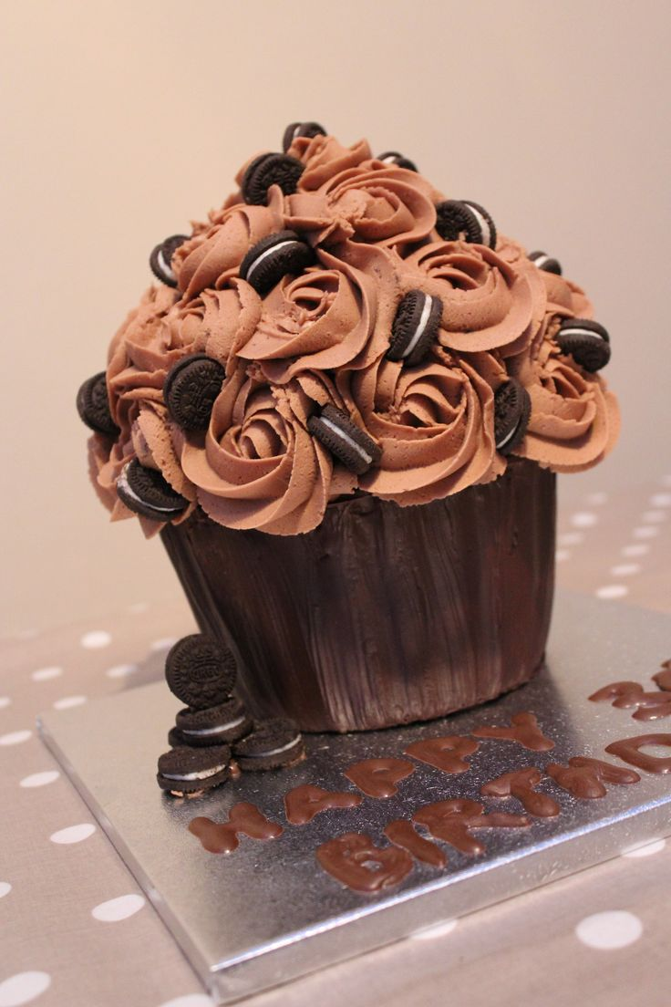 Oreo Giant Cupcake                                                       …