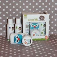 My first pamper kit - organic baby shampoo, body lotion and face cloth