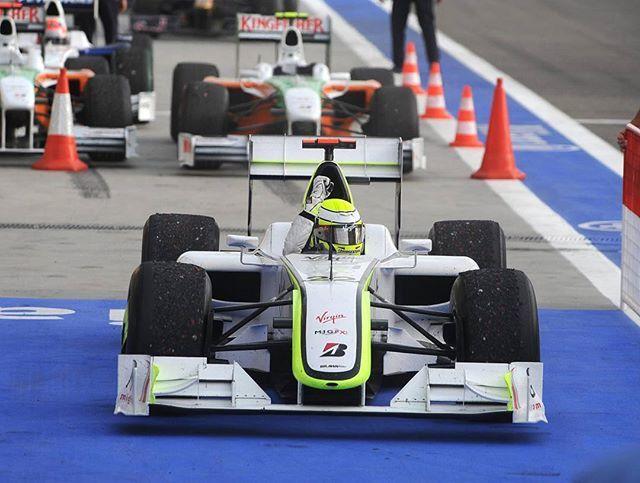 Jenson Button, Brawn GP 001, 2009 Bahrain Grand Prix  #JensonButton #Button #JB22 #2009 #Bahraingp #Bahrain #Sakhir #Brawn #Brawngp #Formula1 #F1